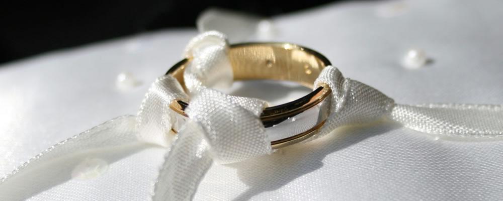 セットされた指輪